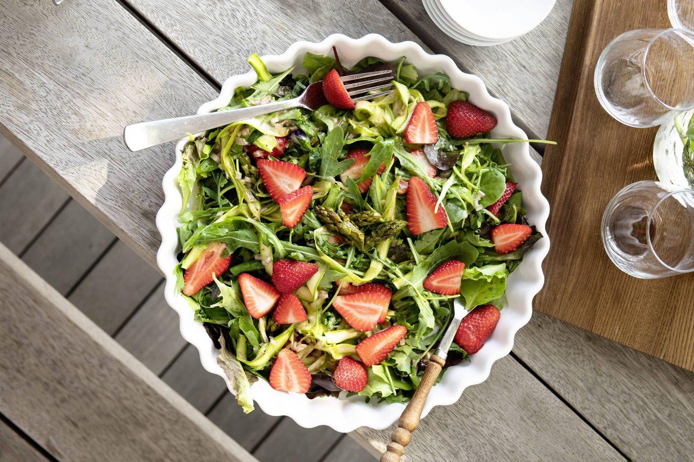 Erdbeer-Spargel-Salat mit Grillgewürzsalz