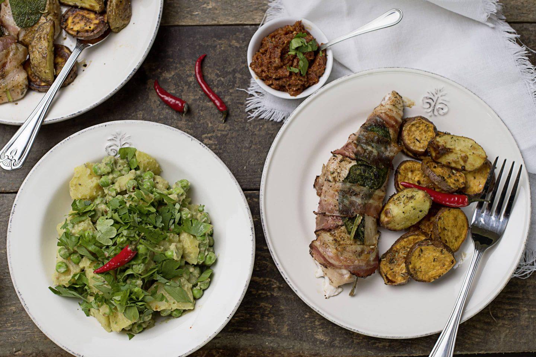 Grill-Geflügel-Saltimbocca mit Kartoffelsalat und Pesto mit getrockneten Tomaten
