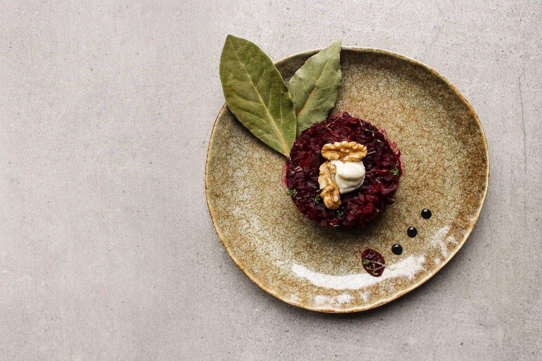 Beetroot tartare with Himalayan salt