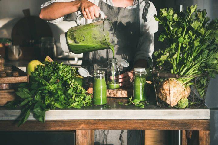 Abfüllung von grünen Smoothies